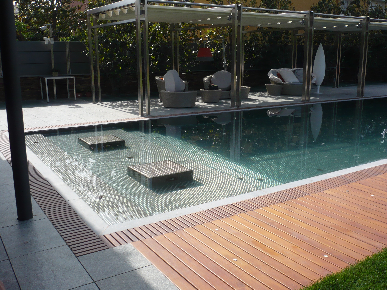 Construcci n piscinas mqs be green creamos espacios de - Coste construccion piscina ...